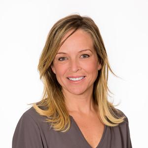 Darlene Cavalier headshot