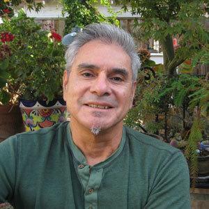 Enrique Salmón headshot
