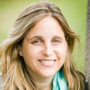Carla Naumburg headshot
