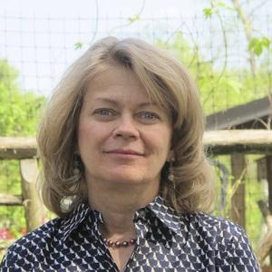 Carol Woodin headshot