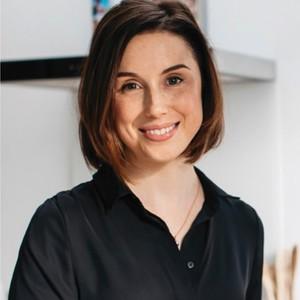 Jenna Macciochi headshot