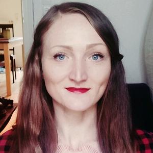 Alexandra Helm headshot