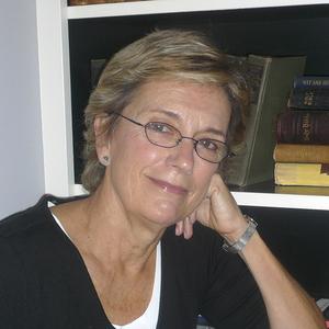 Pamela Wakefield headshot
