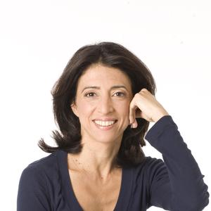 Elaine Petrone headshot