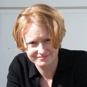 Amy Stewart headshot