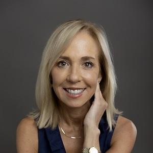 Carole Kramer Arsenault headshot