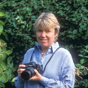 Jo Whitworth headshot