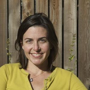 Sasha Davies headshot
