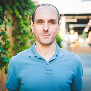 Daniel Shumski headshot
