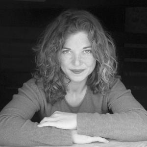 Shannon Moffett headshot
