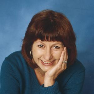 Anne Halpin headshot