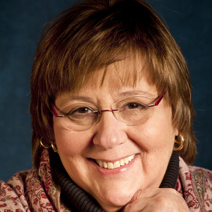 Nancy Linde headshot
