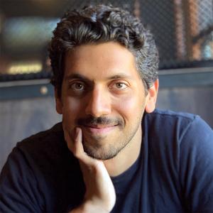 Ali Almossawi headshot