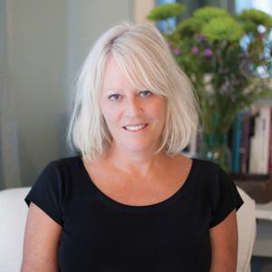 Yvonne Prinz headshot