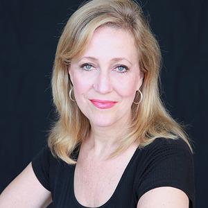 Carolyn Sloan headshot