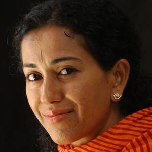 Shoba Narayan headshot