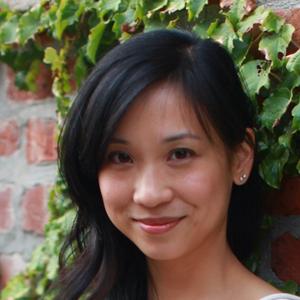 Lydia Kang headshot